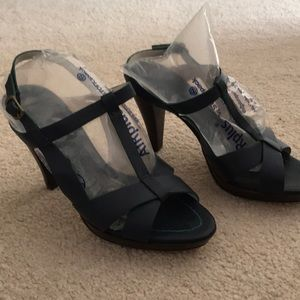 Lovely navy heels